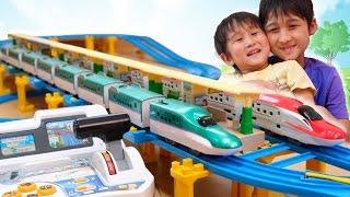 プラレール 8両編成のH5系北海道新幹線はやぶさ マスコンで運転してみた【かとちゃん】