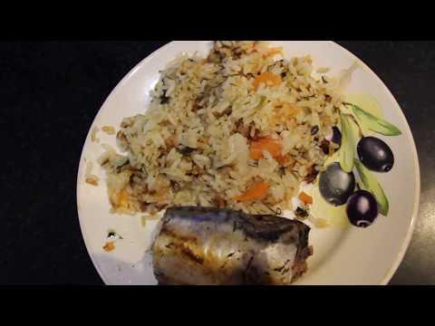 Рис со скумбрией в мультиварке