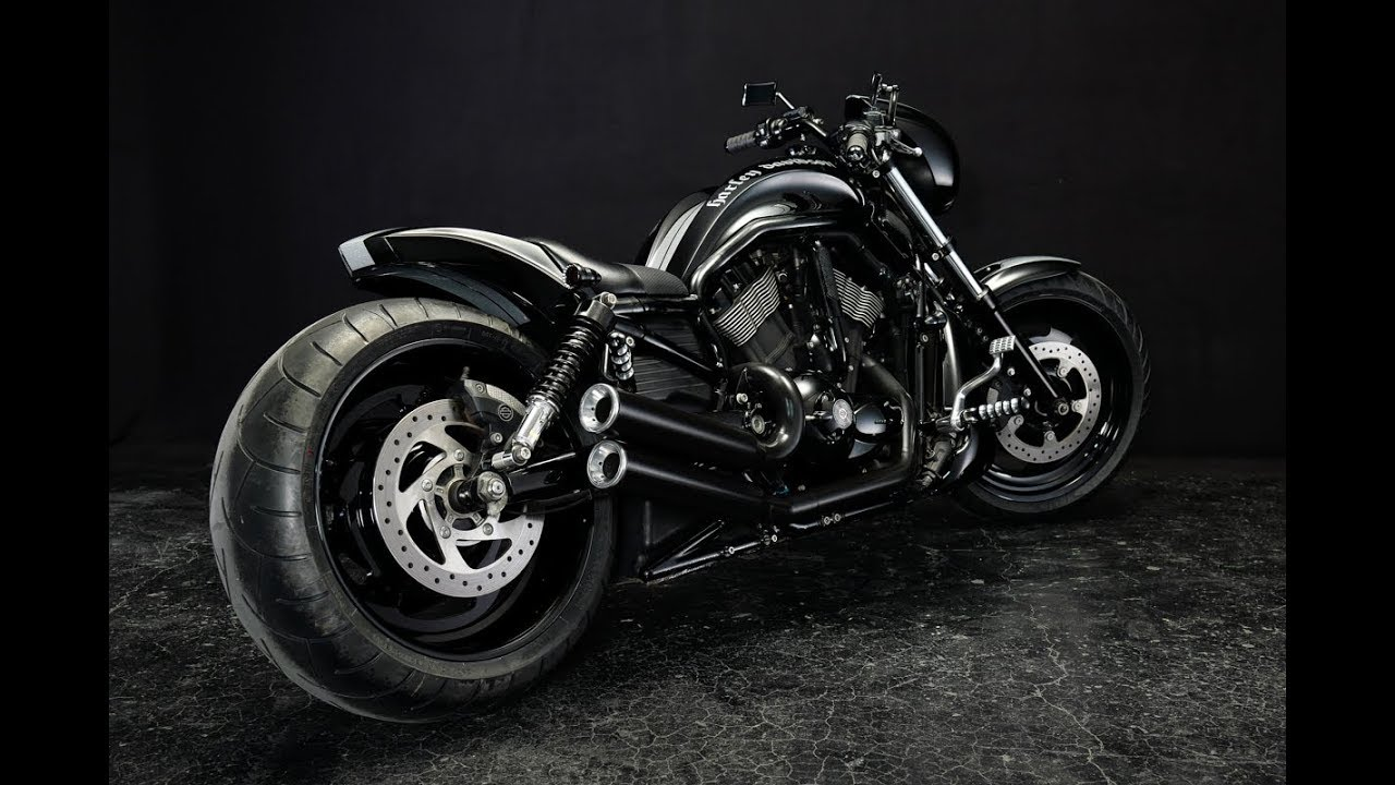 ⭐️Harley Davidson V-Rod muscle Custom Bike by Bad Land - Review