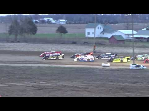 Late Model Heat Race #1 on 04-27-2018 at I-96 Speedway.