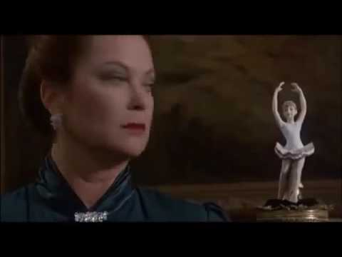 Flores En El Atico Trailer En Espanol Youtube