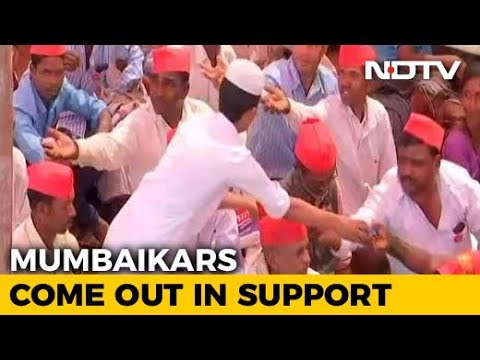 Mumbai With Farmers. Residents Offer Food, Footwear To Tired Protesters
