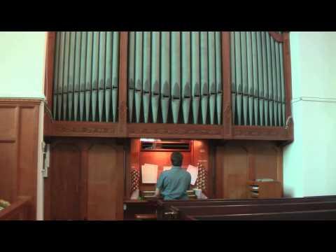 Calon Lan: St Cynogs Church Ystradgynlais
