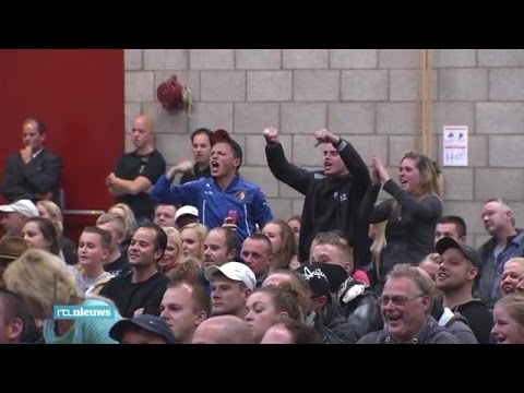 Voorlichting AZC Steenbergen overschreeuwd door te - RTL NIEUWS