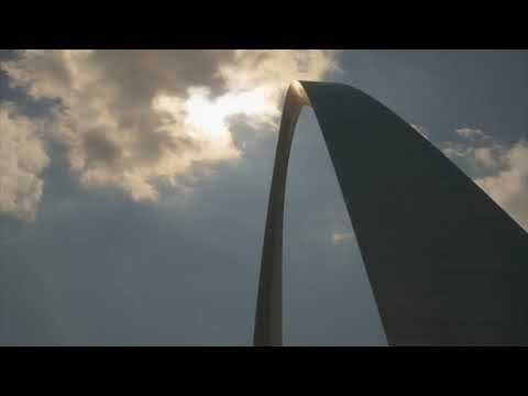 Total Solar Eclipse at The Gateway Arch in St Louis on 8/21/17