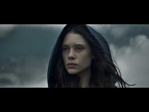 King Arthur: Legend of the Sword  4  Charlie Hunnam, Jude Law, Astrid BergèsFrisbey