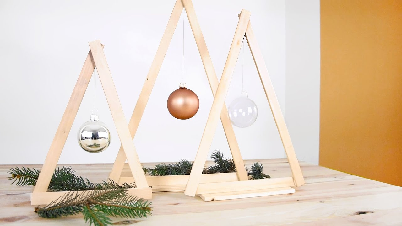 Natale fai da te piccoli alberi di natale in legno for Decorazioni natalizie in legno da appendere