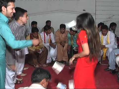 New mujra main mahi day kho tu pani da latest mujra - 5 4