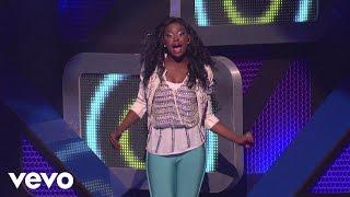 Смотреть клип Coco Jones - World Is Dancing