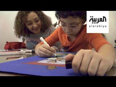 طفل يرسم مشاهير العالم بأسلوب أقرب لفناني المدرسة التجريدية  - 08:59-2020 / 6 / 1