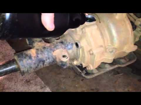 Rearend oil change in 2007 honda recon trx 250 - YouTube
