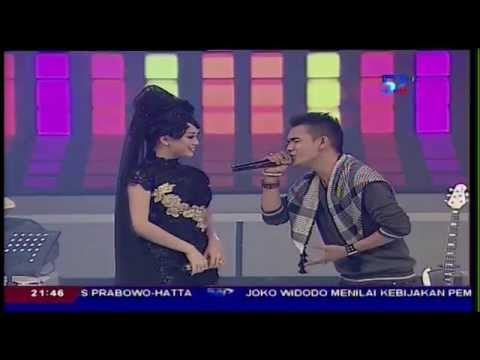 SEMBILAN BAND Feat ZASKIA GOTIX [Zaskia] Live At Kamera Ria (05-08-2014) Courtesy TVRI