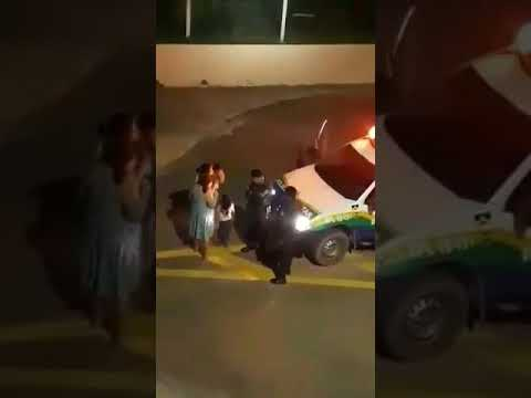 PM agride mulher gestante; ela cai no chão e dá à luz