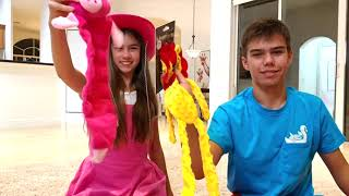 nastya e artem brincando com marty fazem dele um novo vídeo caseiro para crianças настя и артем