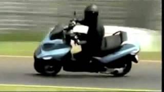 Superbike Piaggio MP3 400 Commercial