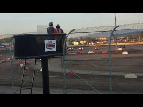 Willamette Speedway midget green/white/checker restart crash