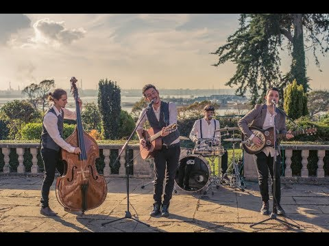 Folk Country Wedding Band Hire Hampshire - The Medleys | Available from RicherMusic.co.uk