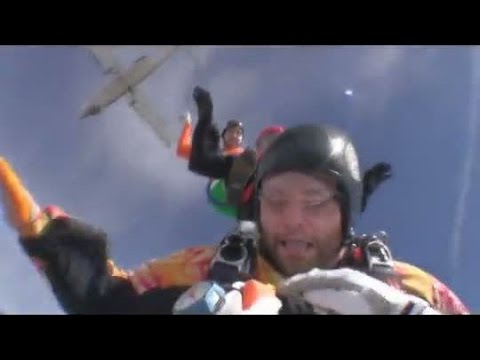 Friday Freakout: Hilarious Reaction After Skydiver's Cutaway Handle Pulled On Exit