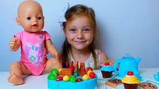 День рождения у Беби Борн Сони. Готовим Торт, пьем чай. НОВОЕ видео для Детей