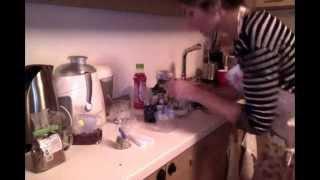суров десерт за Маги :)(Създадох този видео клип импровизирано и импулсивно, като идеята ми беше да покажа как се приготвя суров..., 2015-12-01T22:29:35.000Z)