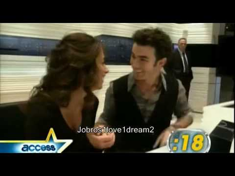 Danielle Jonas Wedding RING & DRESS! - YouTube