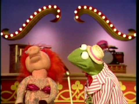 """The Muppet Show: Kermit & Lydia - """"Lydia The Tattooed Lady"""""""