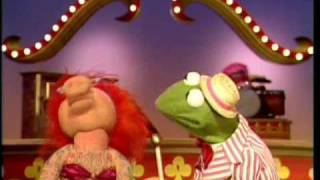 "The Muppet Show: Kermit & Lydia - ""Lydia The Tattooed Lady"""