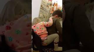 Уроки с младшей сестрой