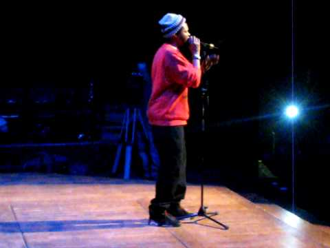 BJ the Chicago Kid singing How Does It Feel by D'Angelo @ MSU 2.11.10