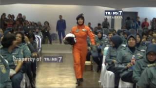 Fashion Show Hijab ala Korps Wanita TNI Angkatan Laut