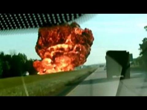 Huge explosion after gas tanker crashes into dump truck
