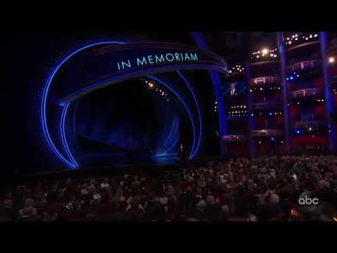 Выступление Биллй Айлиш на церимоний вручения Оскар 2020. Billi Alish at the Oscars 2020