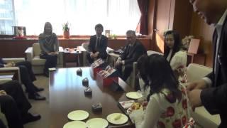 りんご娘(弘前市)がミカエラ区長を表敬訪問されます! 福岡チャンネル...