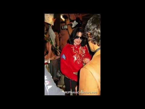 2003 October 25 Michael Jackson in Las vegas  at 'Art of Music' store