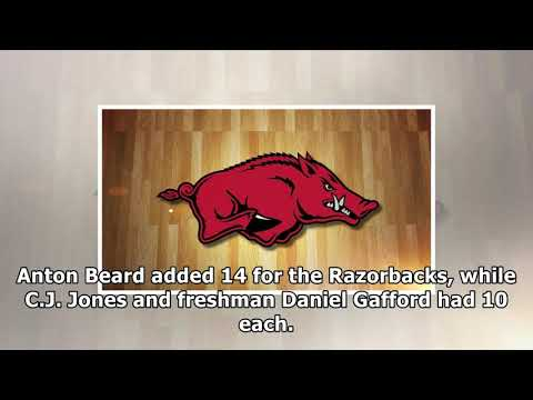 [Daily Times]Macon, barford pace arkansas to opening win over samford