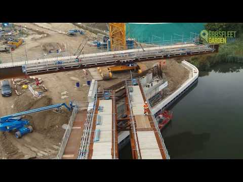 Springhead Bridge, the final beam lift, October 2019