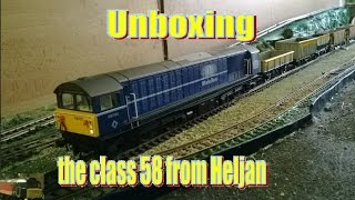 Unboxing the class 58 from Heljan