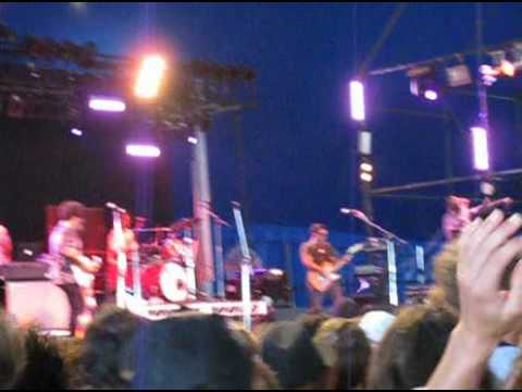 TV on the Radio - Staring at the Sun, Gold Coast Big Day Out 2009