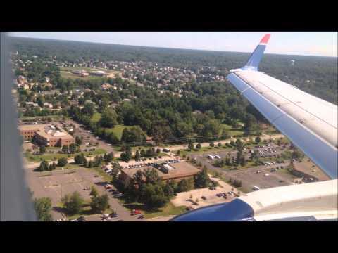 Embraer 175 Landing in Columbus Ohio