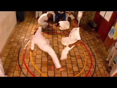 Filme : Mestre Bimba - A Capoeira Iluminada