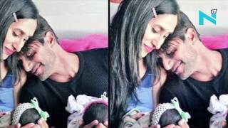 This pic Karanvir & Teejay with their twins is heart-warming!