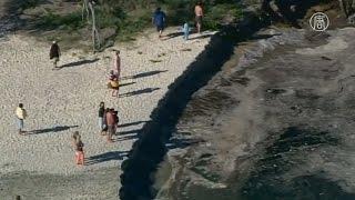 Австралия воронка в земле поглотила авто и лагерь туристов новости