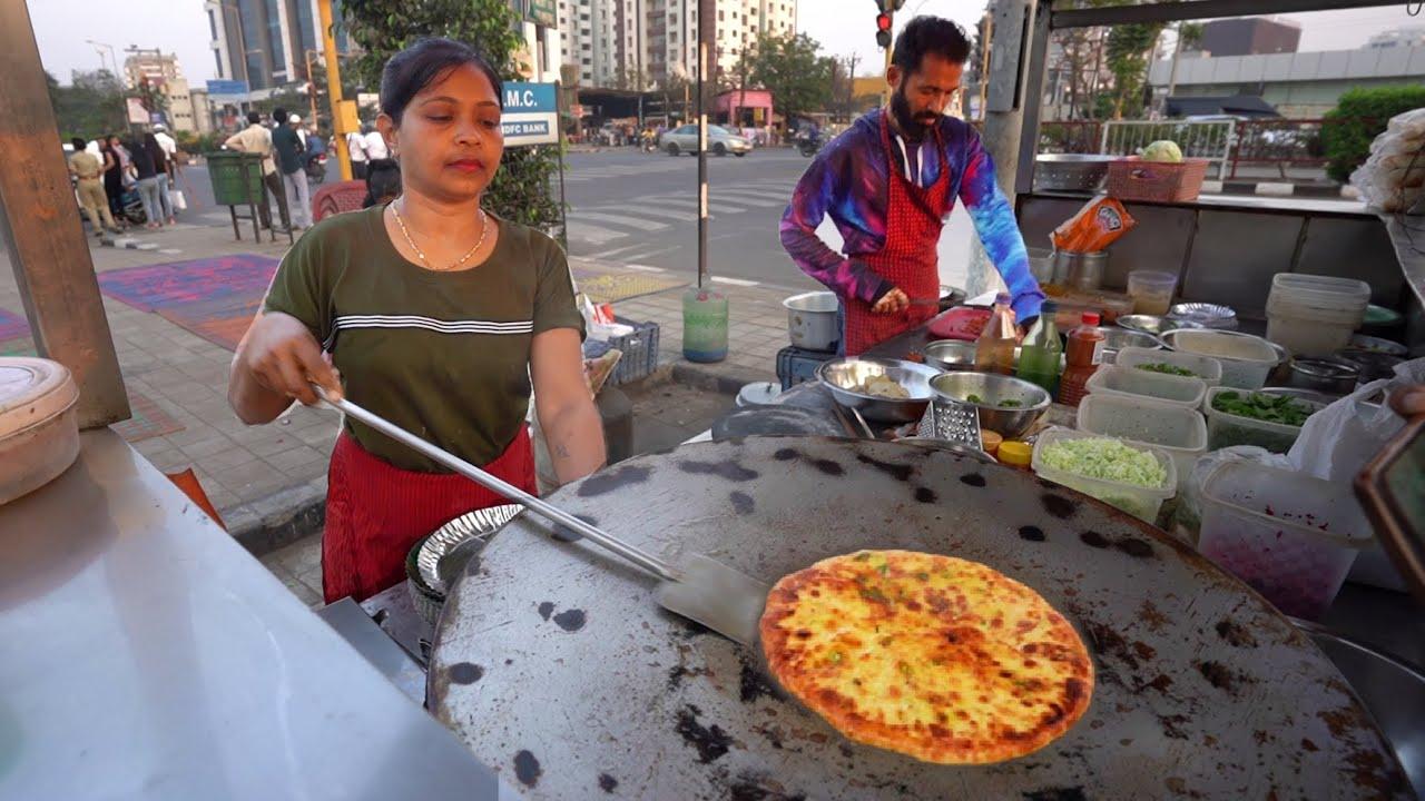 Healthy Cheese Palak Paneer Paratha | Husband Wife Selling Healthy Food | Indian Street Food