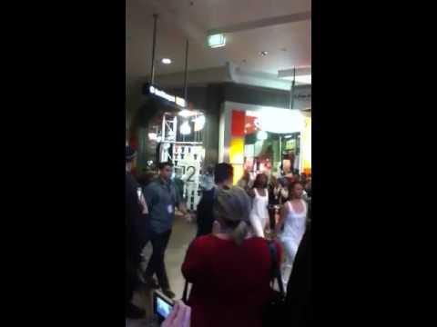 Cody Simpson warringah mall