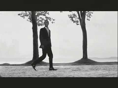 Johnnie Walker - Striding Man (HQ)