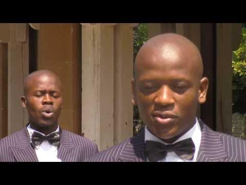 JUNIOUR KING STAR BROTHERS - Ngaphesheya Komfula