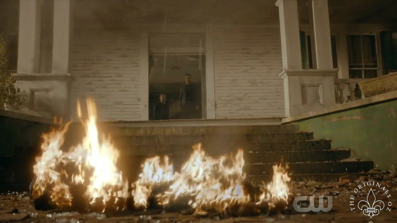 Download The Originals 5x06 Klaus and Elijah watch Hayley die