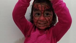 Ayşe Ebrar Örümcek Adam Maskesi Takmak İstemedi Kendisi Örümcek Adam Oldu.