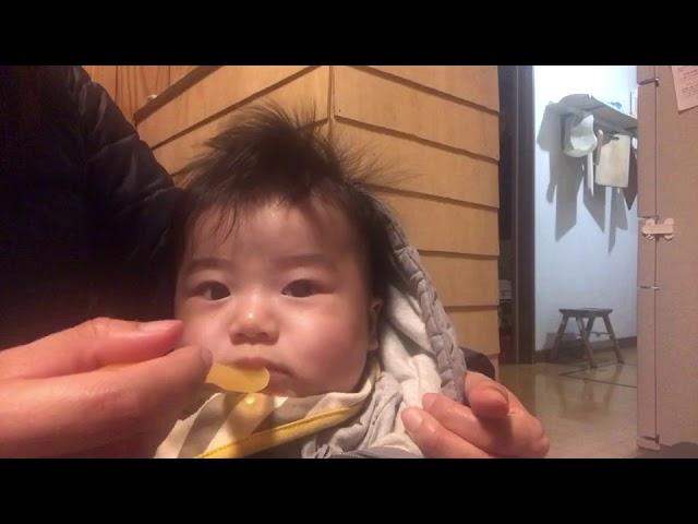 初めてのお白湯(5ケ月児)