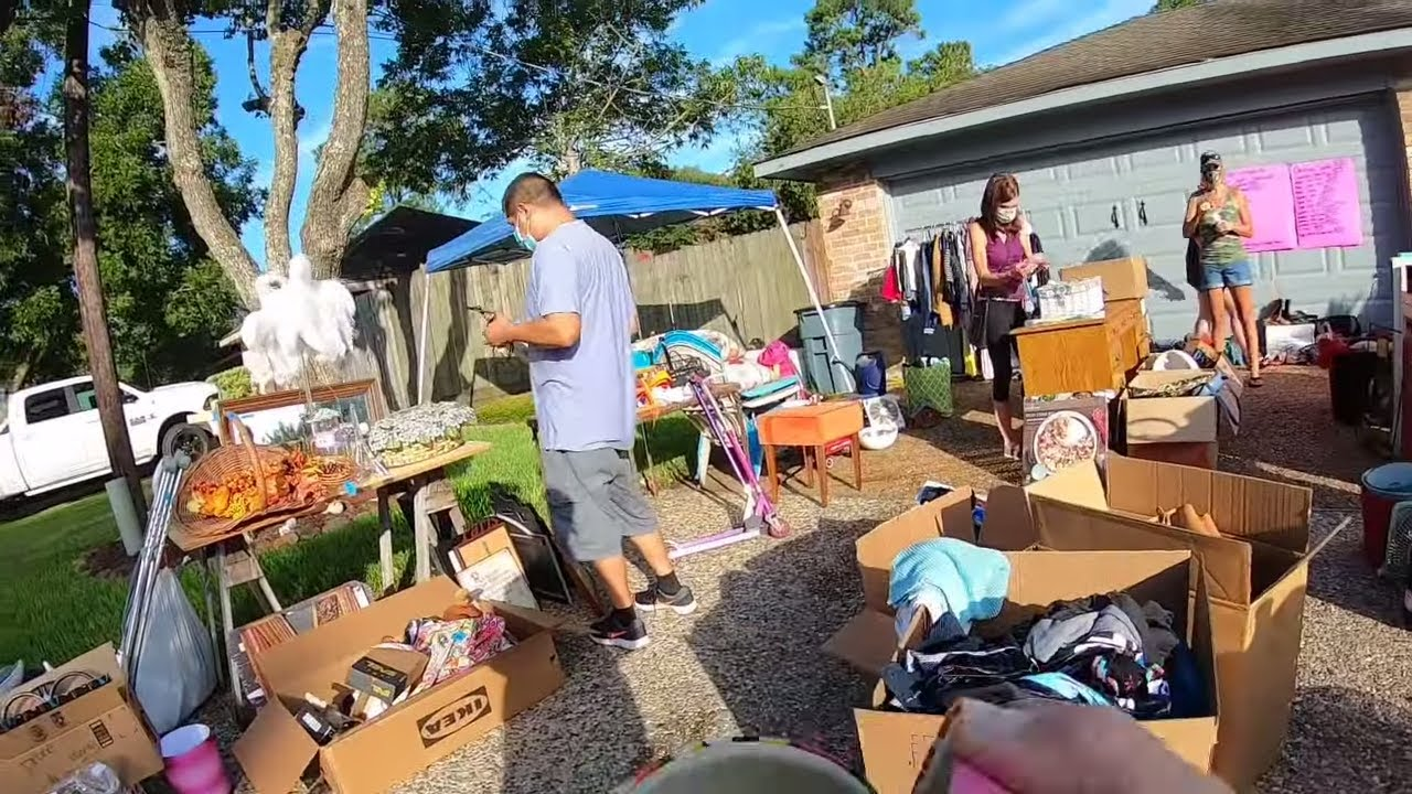 GARAGE SALE - LET'S SEE WHAT WE CAN FIND HERE